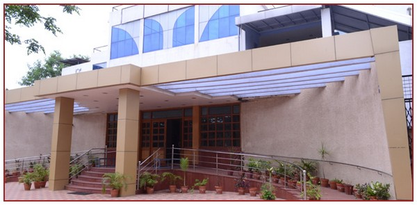 Auditorium Dayanand College Of Arts Latur